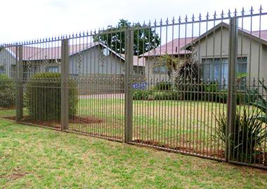 spike-fence